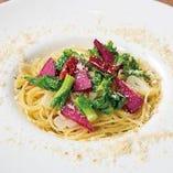 スパゲッティ 季節野菜のペペロンチーノ