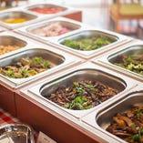 シチリア郷土を想わせるシェフ特製の前菜をお楽しみください!