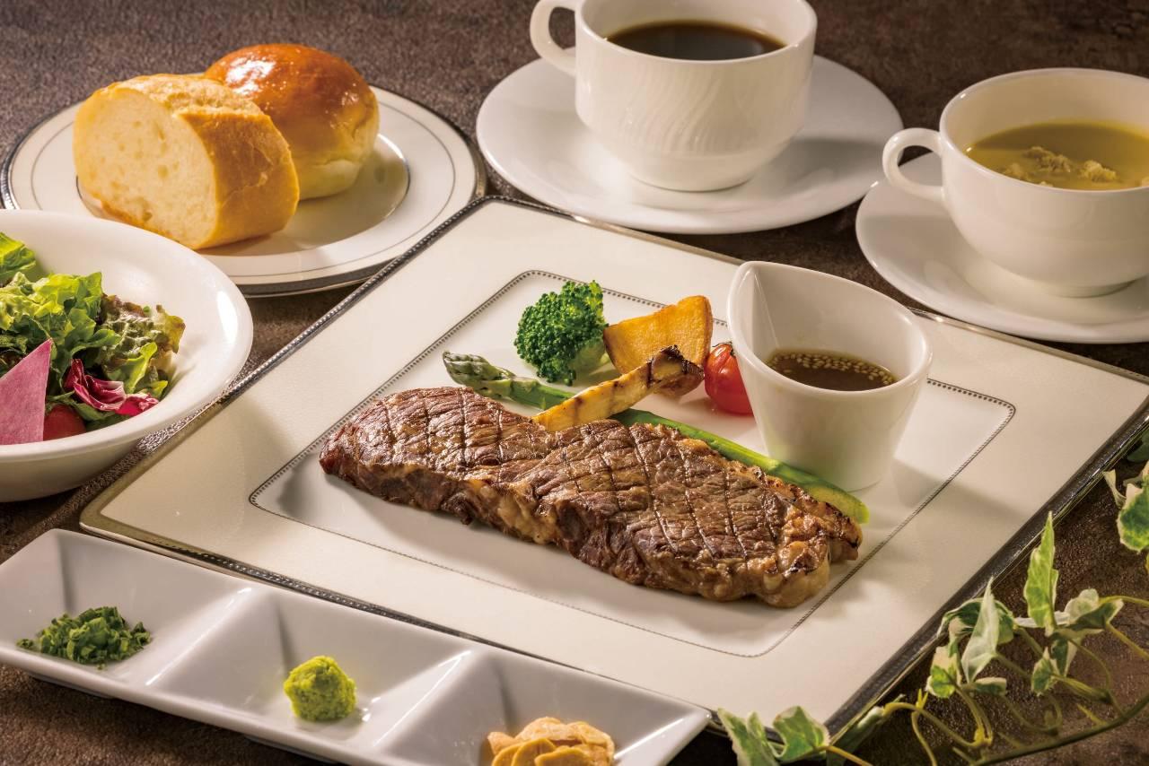 【5月】ステーキ&グリルディナー 国産牛ロースグリル