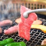 切り方、調理方法、味付け、お酒(カリフォルニアワイン)など… 様々な視点で肉本来の旨味を最大限に引き出し、肉を食す楽しさをご提案いたします。