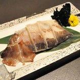 イカ スルメイカを使用。焼いた時の香ばしい香りは食欲をそそります。