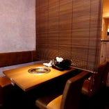 ◇すだれを使用した半個室のテーブル席(2~4名様)◇