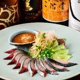 『泳ぎゴマサバ』は鮮度抜群の鯖と甘めの醤油と胡麻がマッチ!