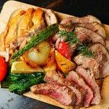 『タントビーノ!肉盛り』 大満足の内容の質と量で1人前1480円