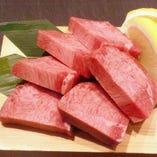 肉厚で食べ応え十分!厚切り牛タン