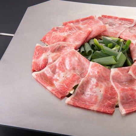 見た目のインパクト、食べてびっくり美味しい炊き肉