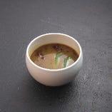 牛すじカレーのお出汁スープ