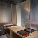 半個室の掘りごたつや完全個室テーブル席など大小様々ご用意。