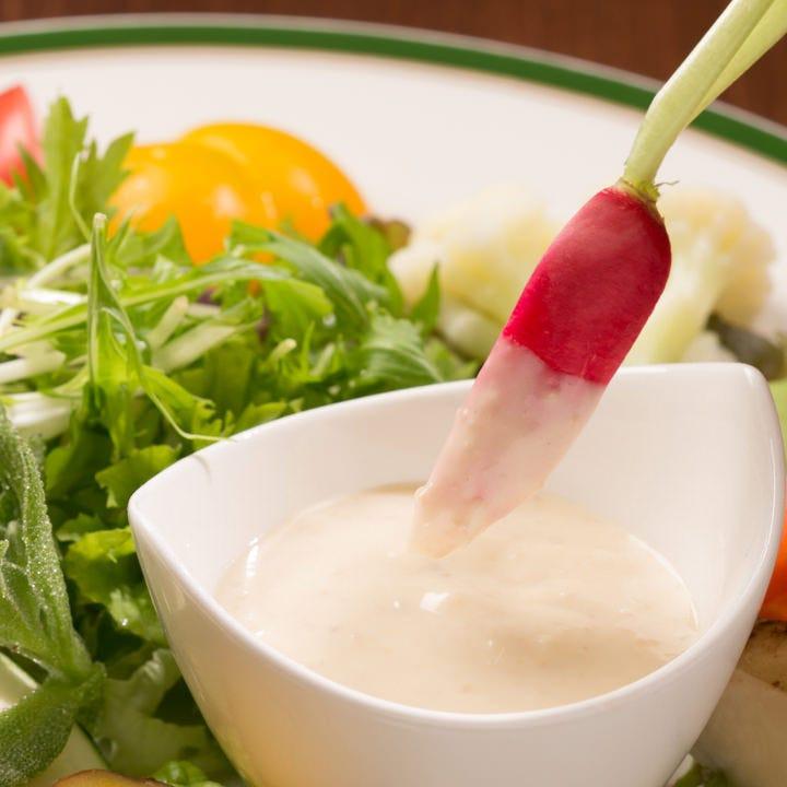 藤沢野菜を味わえる人気のバーニャカウダも楽しめます!
