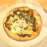 カレービスマルクピザ