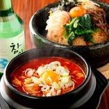 【おすすめ料理】 韓国を代表する名物料理を囲み充実のひと時