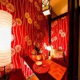 落ち着いた雰囲気の個室空間