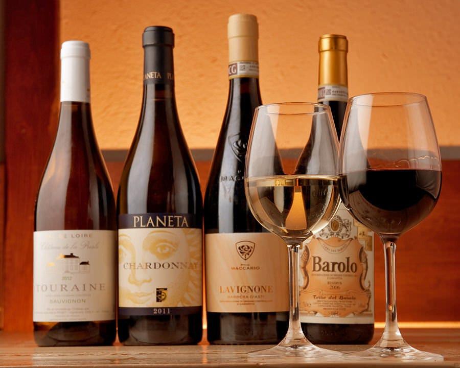 ワインを始め、多種多彩なお酒