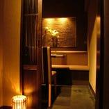 松戸駅から徒歩1分の地下に広がる隠れ家的個室居酒屋。店内は軽く照明が落された2~22名様までの個室を完備。ムードよい個室で雰囲気盛り上げます。