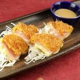 【超チーズ!モッツァレラハムカツ】刻のハムカツはチーズ入り!