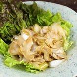 春・つぶ貝と矢切ねぎのイカワタ炒め