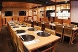 テーブル席(1名~4名席) 宴会最大40名様まで可能です。