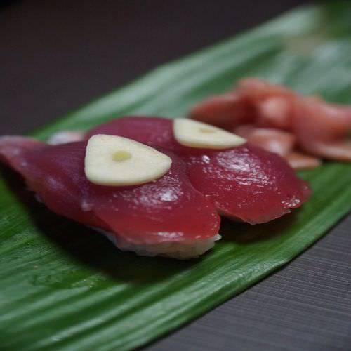 新鮮な朝どれ鮮魚を職人が握るお寿し