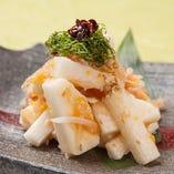 「ざく切り山芋の梅水晶掛け」は是非京都の日本酒と合わせて。