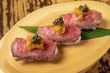 国産黒毛和牛のうに肉寿司