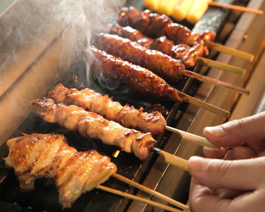 こだわりの塩で焼き上げる名古屋地鶏