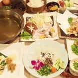 ふぐちり鍋コース 5000円。一年中ご提供致します。天然は8980円よりご提供致します。