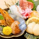 旬の鮮魚は他には無い【魚貝焼き】【寿司】をお手頃にご提供