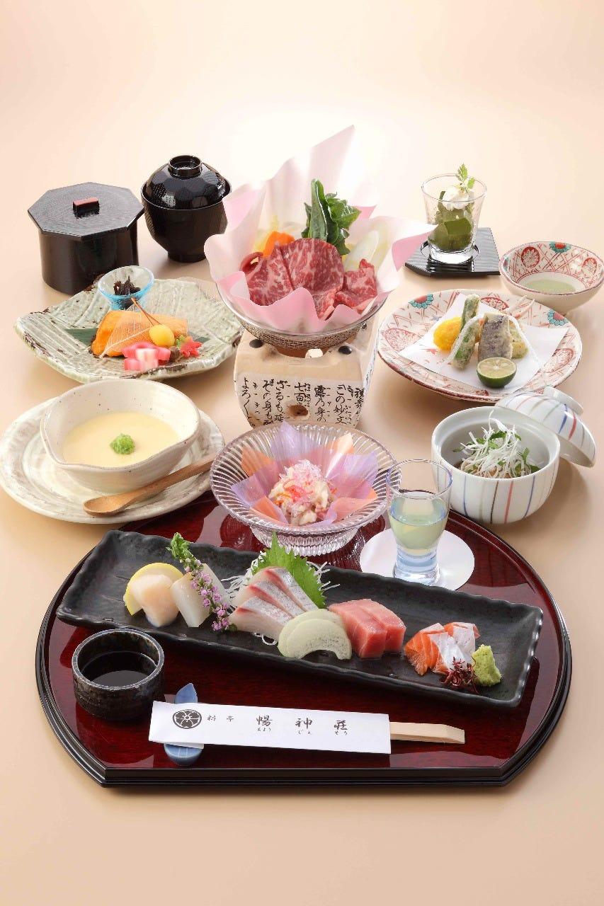 特選会6700円(ドリンク別) 席料・奉仕料・消費税込み