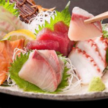 刺身・天ぷら・藁焼きなどバリエーション豊富な魚料理☆