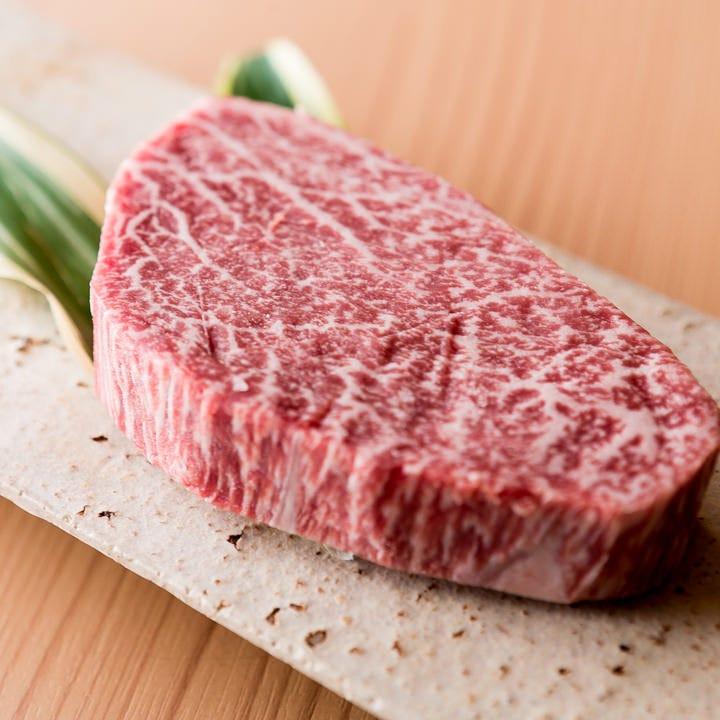 肉専門の目利き職人が極上和牛を厳選