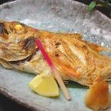 厳選された新鮮な魚介料理をご堪能ください。