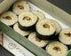 おうちで食べる「そば寿司お土産」お持ち帰り用、汁つきです。