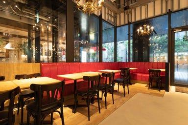リトル デリリウムカフェ ハレザ池袋  店内の画像