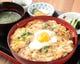 【ランチ】親子丼セットはスープ・小鉢・漬物・デザート付!