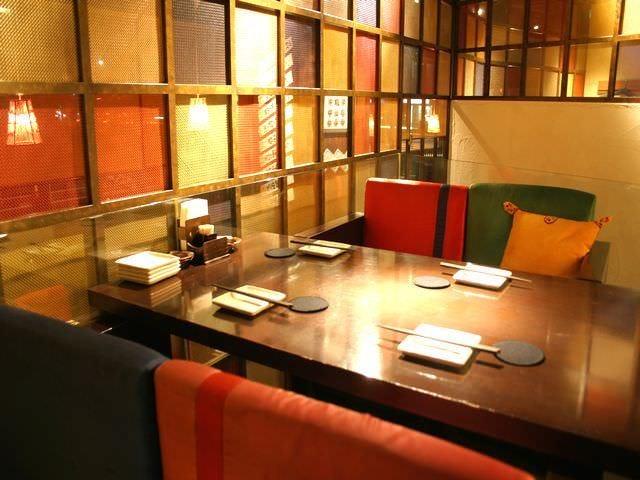 テーブル席…2名様~14名様、 最大28名様のご宴会も可能☆
