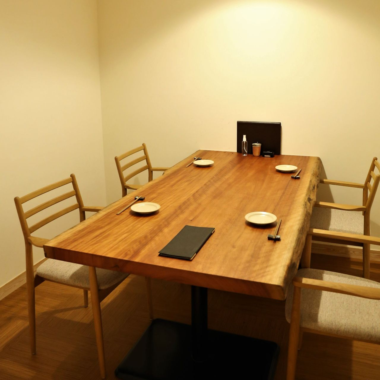 洗練された上質な個室を4部屋完備
