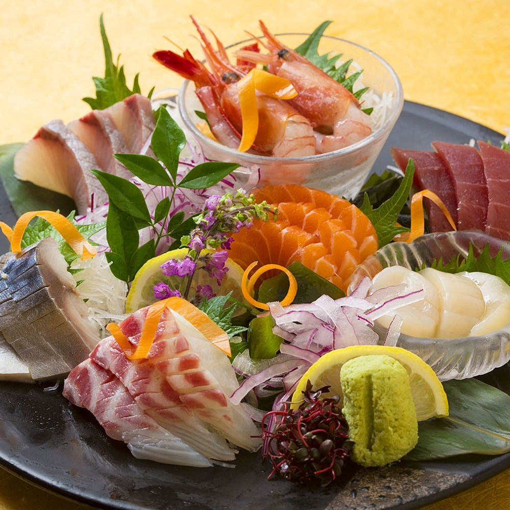 毎日新鮮な魚を仕入れ! 季節のお刺身がお手頃価格!!