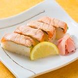 炙りサーモン棒寿司