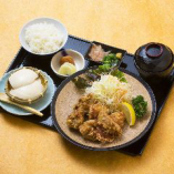 鶏唐揚げ定食(平日限定)