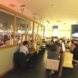 お友達と会社宴会等にも最適!広々とした空間です!