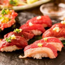 絶品肉寿司がお手頃価格で食べ放題!