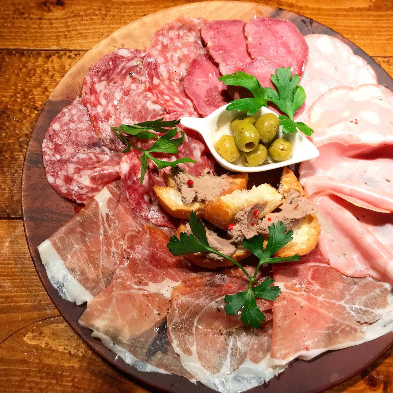 美味い肉の隠れ家イタリアン ブルードアーズ 本八幡店