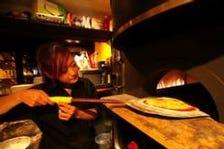 生地も自家製直径28cm本格窯焼きピザ
