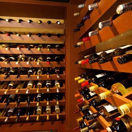 エスニック料理に良く合う ワインも多数ご用意!!