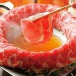 10種類の鍋は、 日々工夫を重ね美味しさを求めています。