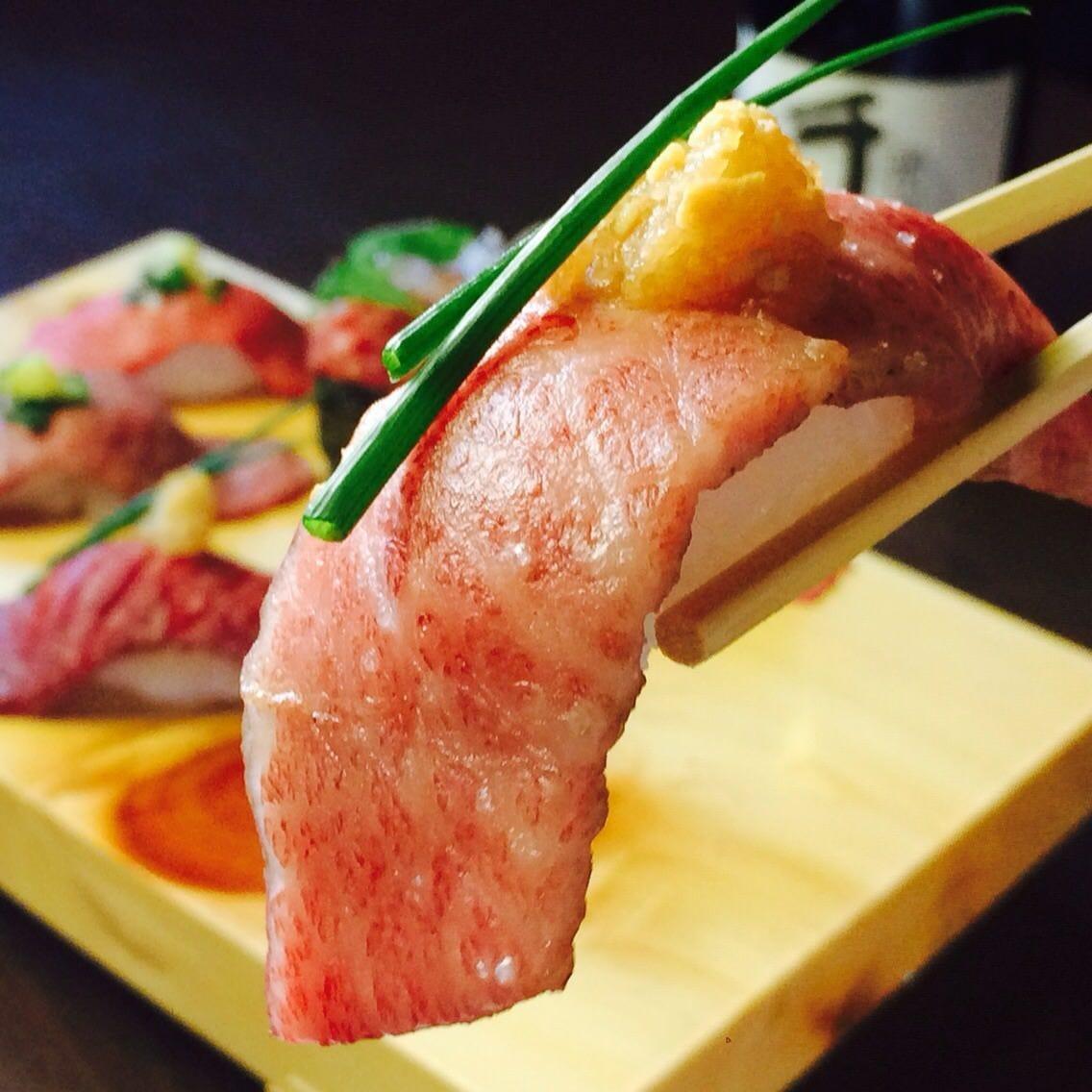 肉寿司始めました!お肉の甘みとシャリのバランスがまさに絶品♪