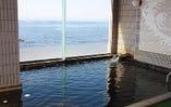 自慢のうめ乃湯は、心と体を癒す天然温泉です。