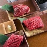こだわり厚切ステーキ!カルビ、ハラミ、ロースのステーキです。