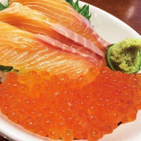サーモンいくらの海鮮丼丼!