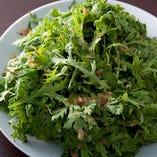 どっさり春菊のサラダ